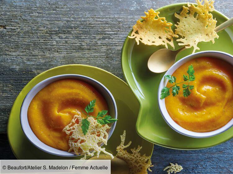 Velouté de patates douces et carottes à la pointe de muscade, tuiles de beaufort : découvrez les recettes de cuisine de Femme Actuelle Le MAG