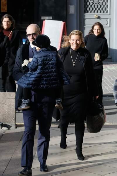 Jean-Mehdi-Abraham Azuelos, Lisa Azuelos et Debora Delorme Kahn-Sriber, les enfants de Marie Laforêt arrivent aux obsèques de leur mère en l'église Saint-Eustache, à Paris, le 7 novembre 2019.