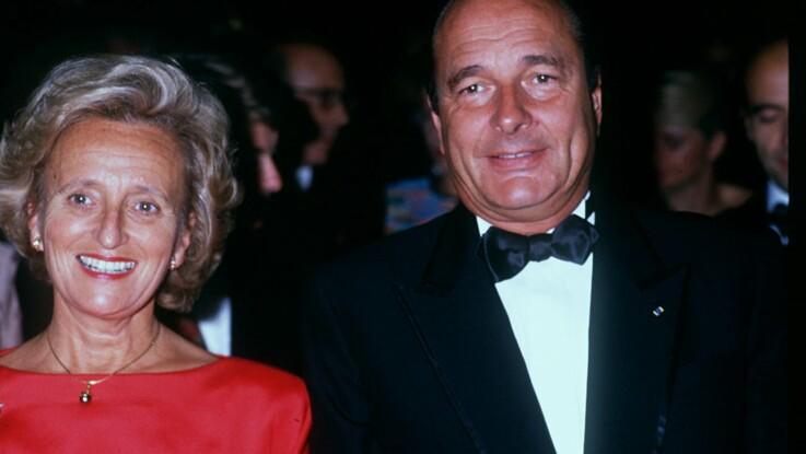 """Vidéo - Jacques Chirac : sa femme idéale qui """"sert les hommes à table"""" décrite dans """"C à vous"""""""