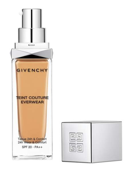 Le fond de teint longue tenue de Givenchy