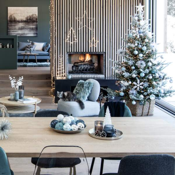 Une déco de salon givrée pour Noël
