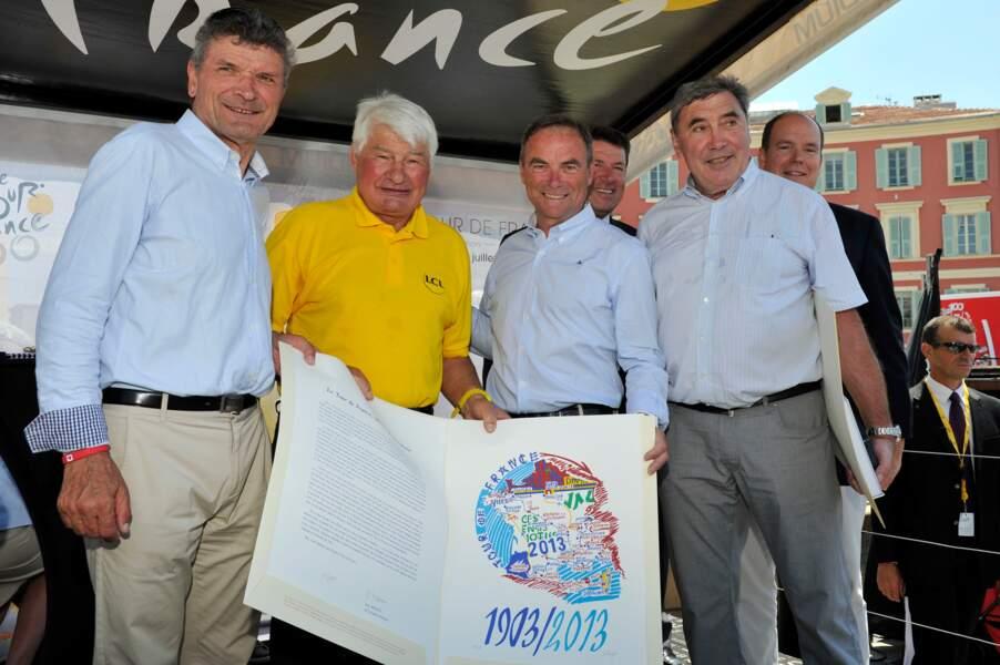 Christian Prudhomme, le directeur du Tour, Raymond Poulidor, Bernard Hinault et Eddy Merckx sont à Nice, le 2 Juillet 2013, pour assister au départ de l'épreuve de cyclisme du contre la montre par équipe dans le cadre du 100ème du Tour de France en 2013.