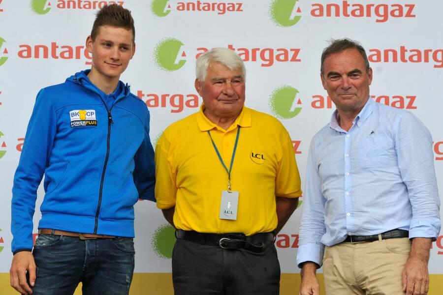 Raymond Poulidor avec son petit-fils Mathieu Van Der Poel et Bernard Hinault, le 25 juillet 2014.