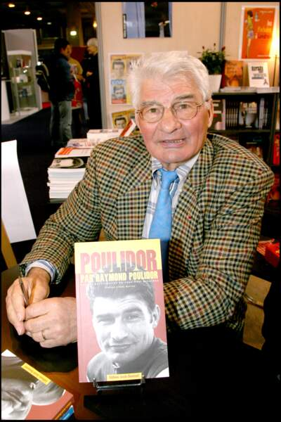 Raymond Poulidor au Salon du Livre de Paris en 2007.