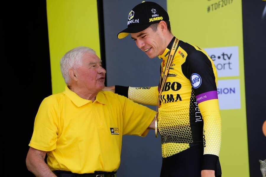 Raymond Poulidor et Wout Van Aert après la 2ème étape du Tour de France 2019 à Bruxelles le 7 juillet 2019.