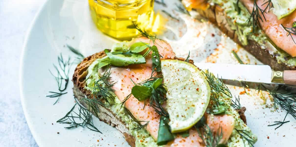 Avocado toast au saumon fumé à l'huile d'olive d'Aix-en-Provence AOP