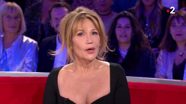 Vidéo - Clémentine Célarié : cette étonnante confession qui amuse Michel Drucker