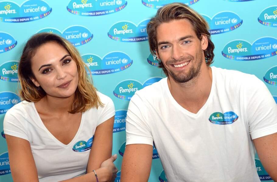Elle a vécu en couple avec le nageur Camille Lacourt jusqu'en 2016.