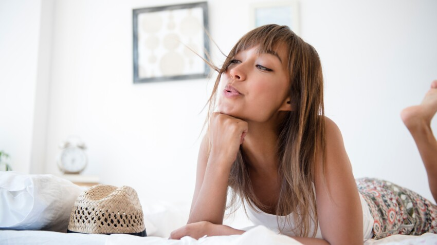 L'astuce magique pour vous éviter d'aller trop souvent chez le coiffeur quand vous portez une frange
