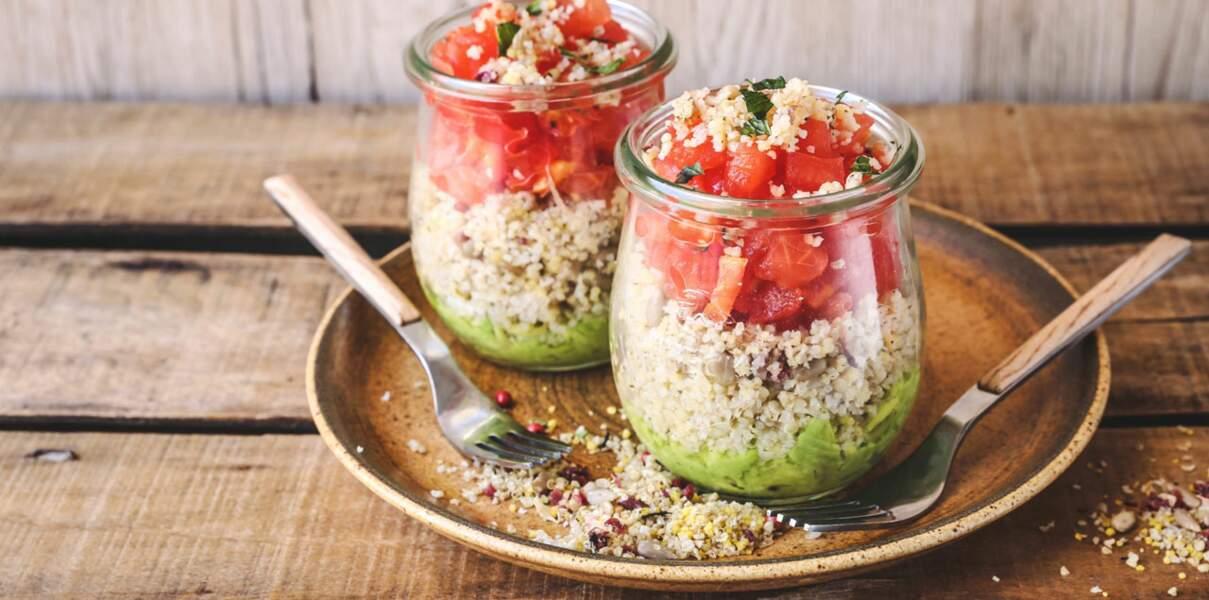 Verrine de quinoa, tartare de tomates et guacamole
