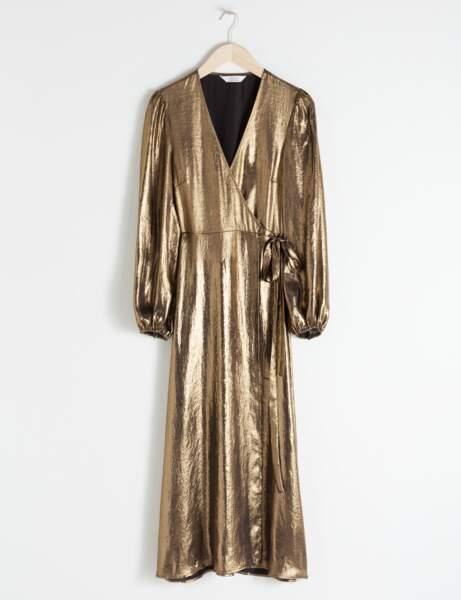 Tendance métallisée : la robe dorée