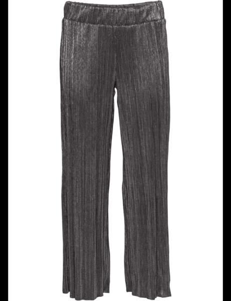 Tendance métallisée : le pantalon argenté