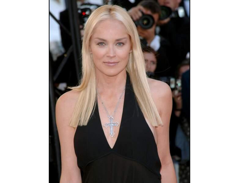 Toujours en 2006 : Sharon Stone opte pour une longue chevelure lisse...