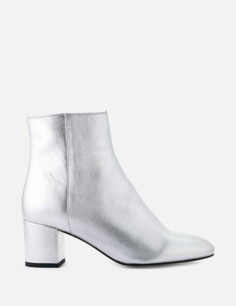 Tendance métallisée : les bottines argentées