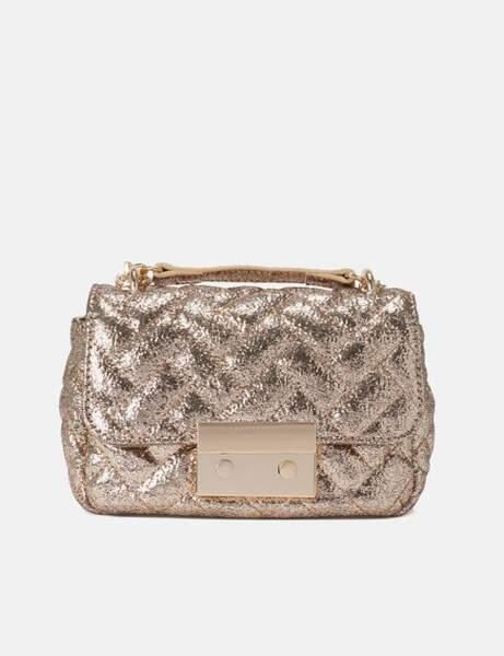 Tendance métallisée : le sac doré