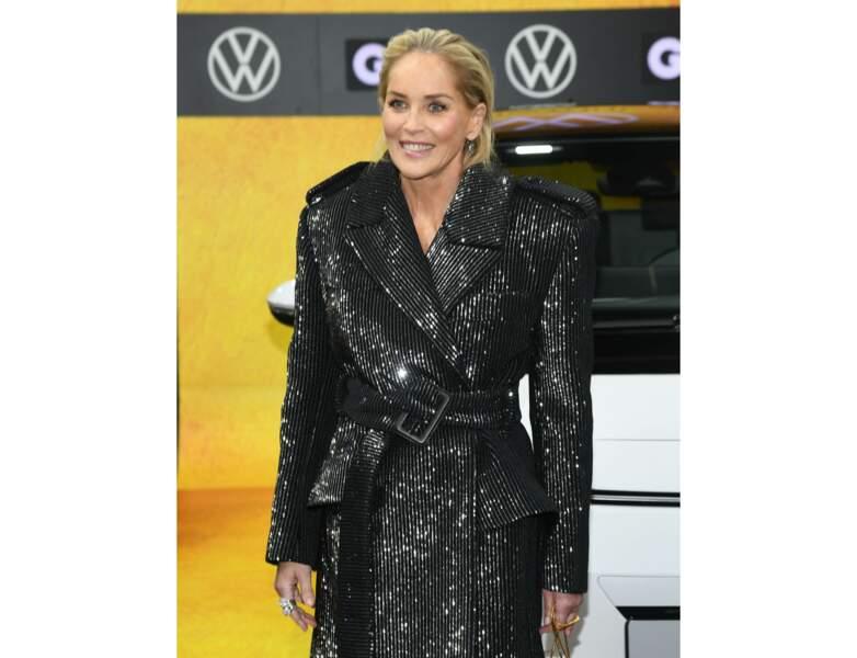 Toujours en 2019, elle a 61 ans et arbore un look wet superbe !