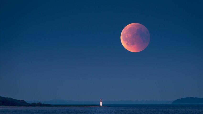 La French Moon manucure : la nouvelle tendance lunaire de l'hiver