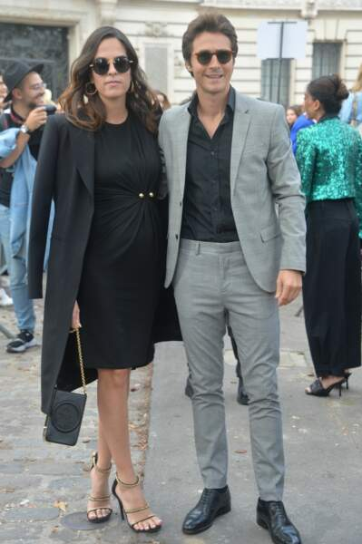 Les amoureux posent ensemble à la Fashion week.