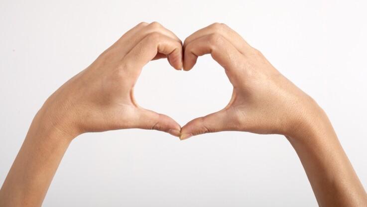 Test de Schamroth : ce geste simple à faire avec vos doigts peut déceler un cancer du poumon