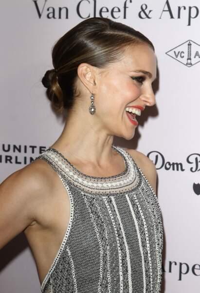 Le chignon bas comme Natalie Portman