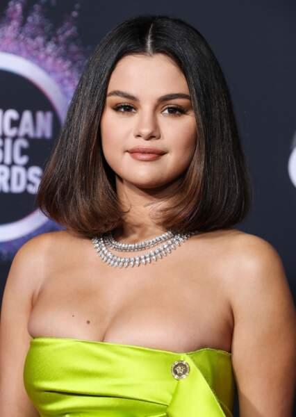 Le carré rétro de Selena Gomez