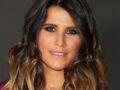 Karine Ferri : robe romantique et blouson en cuir, elle resplendit sur une plage en Bretagne !