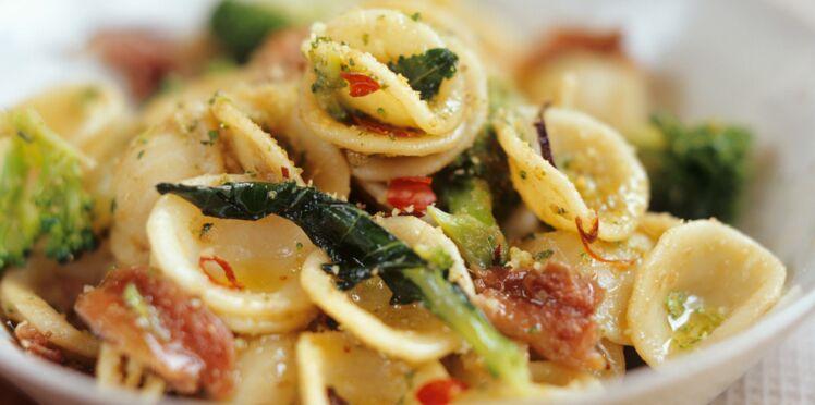 Orecchiette aux brocolis et aux anchois