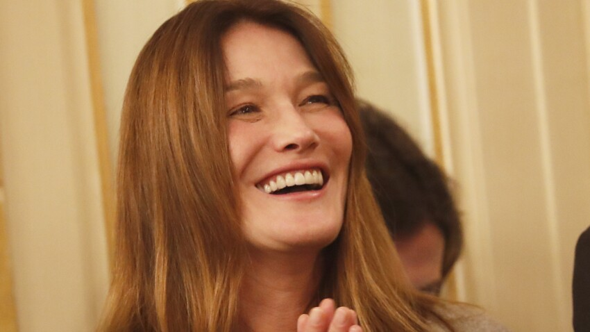 Carla Bruni sublime dans un look aux couleurs d'automne (on copie !)