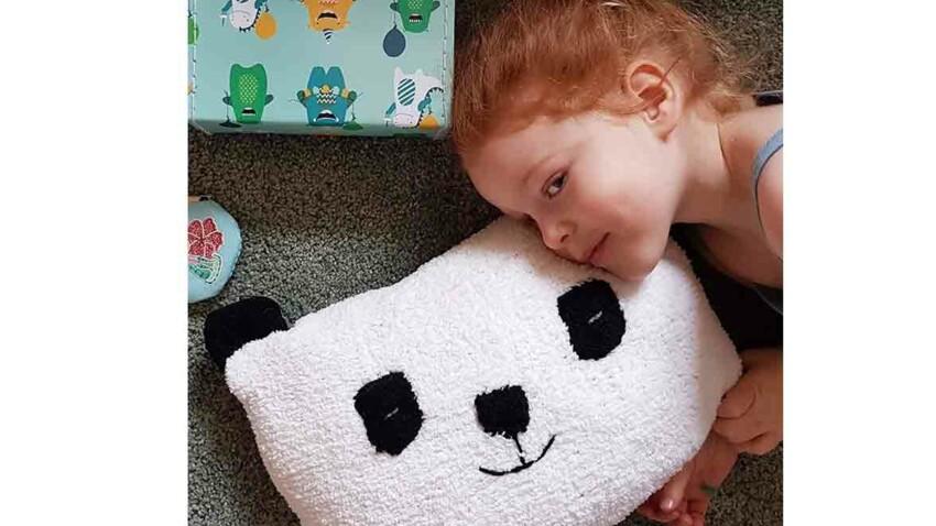Tricot gratuit : le coussin panda