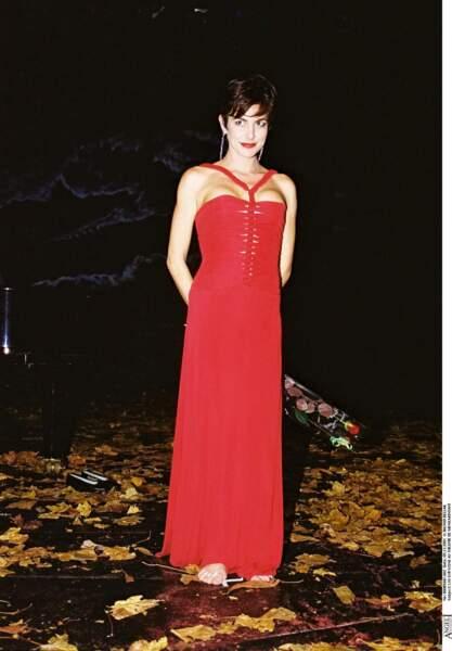 Lio avec une coupe courte en 2001