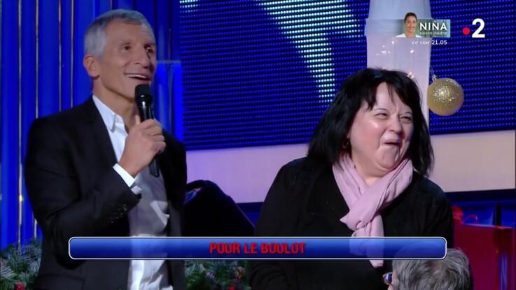 """Vidéo - """"N'oubliez pas les paroles"""" : une femme touche les fesses de Nagui, l'animateur lui demande des explications"""