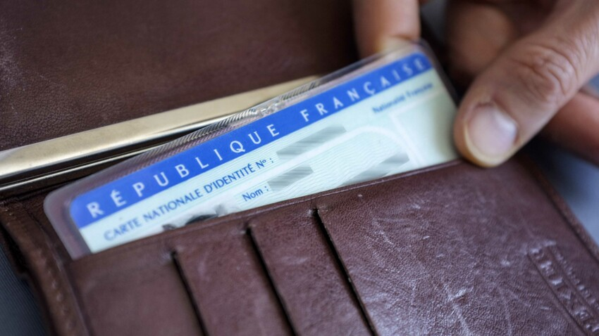 Une nouvelle carte d'identité arrive, dois-je changer l'ancienne ?