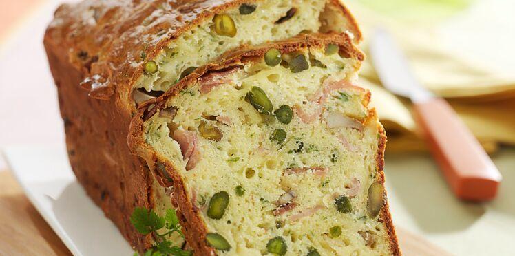 Cake au jambon, pistaches et parmesan
