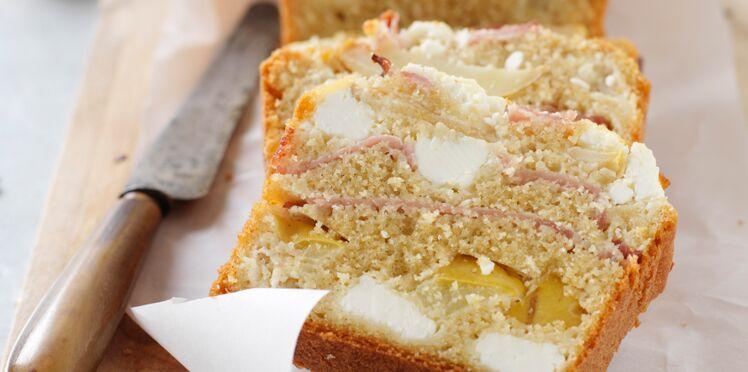 Cake aux pommes, jambon et chèvre