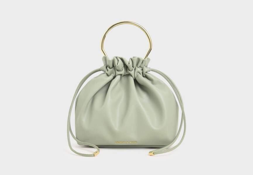 Son moda çanta: tombul model