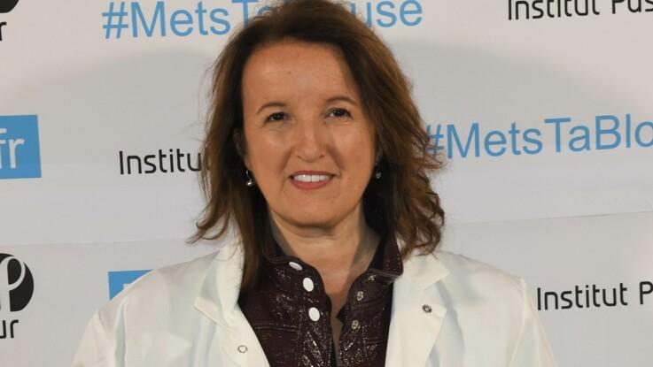 Anne Roumanoff : une humoriste balance sur les méthodes de travail de la femme en rouge