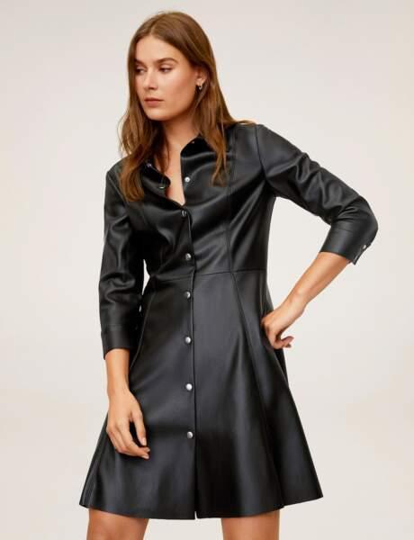 Siyah elbise: deri efekti