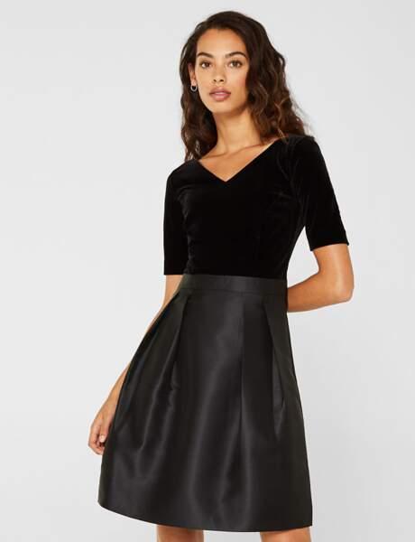 Siyah elbise: çift malzeme