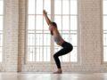 La chaise (Utkatasana) : comment réaliser cette posture de yoga, étape par étape