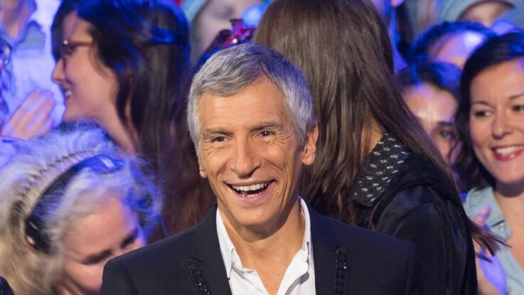 """""""N'oubliez pas les paroles"""" : le gros fou rire de Nagui, choqué par une révélation de Fabien, le musicien de l'émission"""