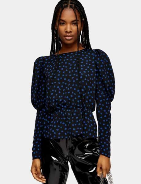 Klasik Mavi: Baskılı bluz
