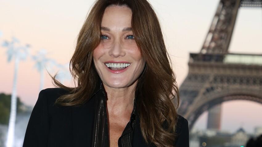 Carla Bruni sensuelle : nue sous une veste noire et jean taille basse, elle dévoile un cliché jamais publié immortalisé par Kate Barry