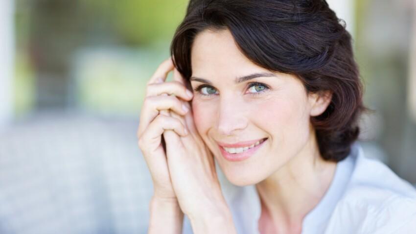 5 astuces pour illuminer son visage après 50 ans