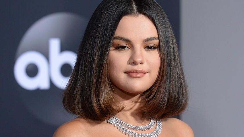 On va toutes succomber à la nouvelle coupe rétro de Selena Gomez