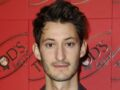 Photo - Pierre Niney torse nu : ses abdos dessinés enflamment Instagram !