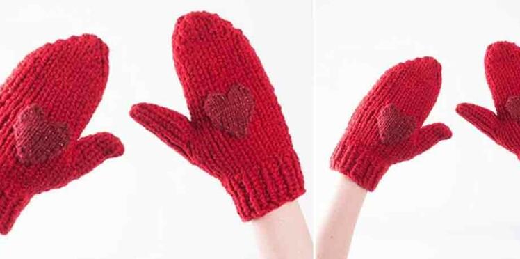 Tricot gratuit : les moufles au point jersey et motif cœur