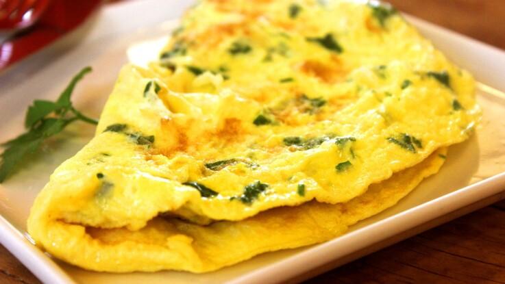 Au jambon, au fromage, à la tomate : comment faire une bonne omelette ?