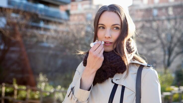 """Baumes à lèvres : une enquête de """"60 millions de consommateurs"""" révèle quels sont les modèles les plus efficaces"""
