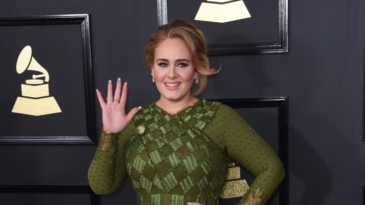 Adele encore amincie : radieuse, elle affiche sa nouvelle silhouette en vacances