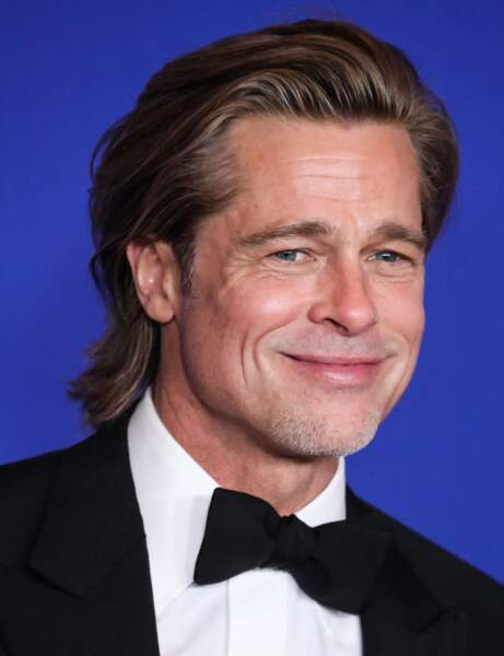 La coupe mi-longue de Brad Pitt